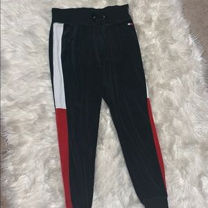 Tommy joggers